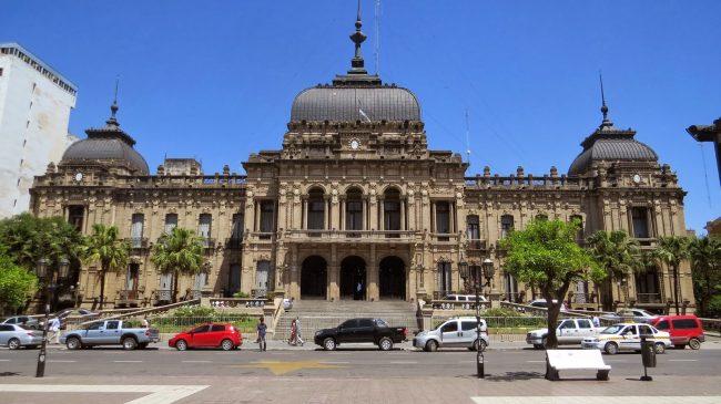 El gobernador de Tucumánse reunió con intendentes y delegados comunales