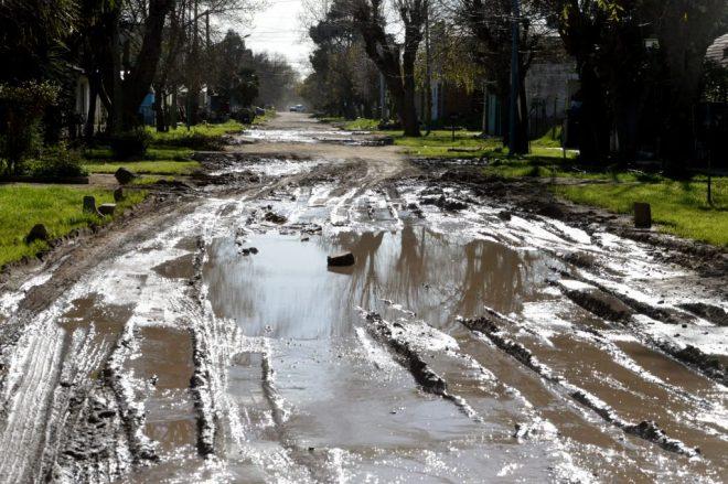 Los Pinares: cansados del estado de las calles, le exigen obras al intendente de Mar del Plata