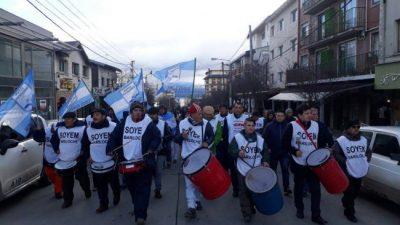 Trabajadores municipales de Bariloche marcharon para reclamar por la normalización del IPROSS