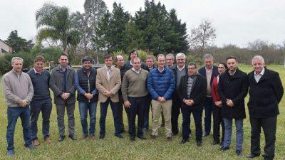 El Gobernador de Entre Ríosse reunió con intendentes vecinalistas