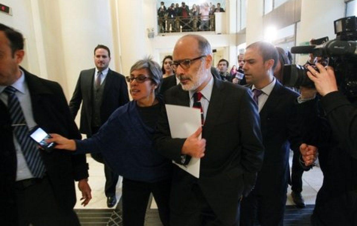 Bachelet reestructura el gabinete tras la abrupta dimisión del equipo económico