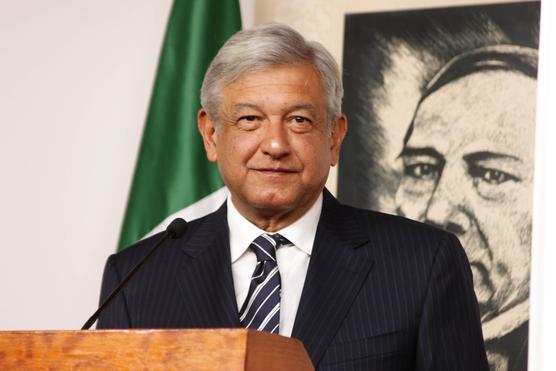 Partido de López Obrador lidera sondeo para elección presidencial México 2018