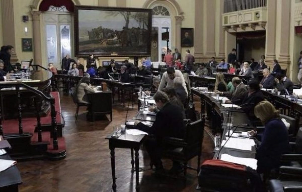 En carrera, 160 candidatos para diputados porSalta