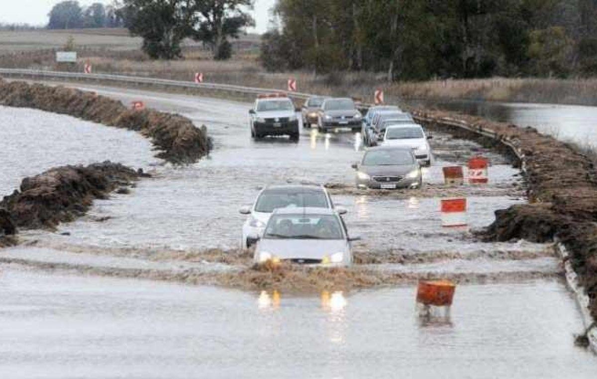 Enojo en las redes: mientras las cámaras apuntan a Miami, las inundaciones castigan a la Argentina