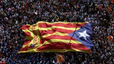 Madrid despliega su fuerza contra los independentistas