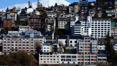 Los edificios de Bariloche le pelean protagonismo al cerro