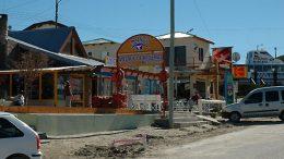 El Municipio de Puerto Pirámides tiene embargado hasta el camión de basura