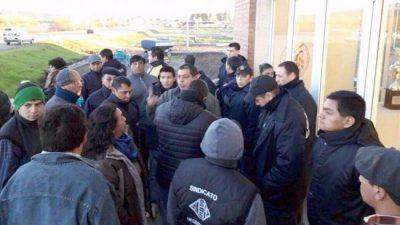Trabajadores de Trevelin cumplen medidas de fuerza y el intendente rechazó negociar con el Soeme