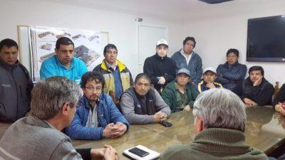 Esquel: Ongarato encabezó reunión paritaria y este jueves firmaría acuerdo con el SOEME