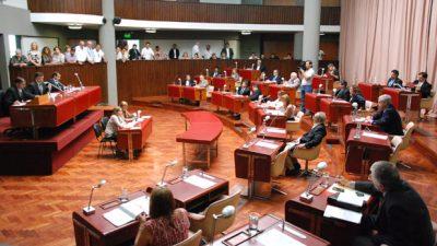 Diputados de Chubut insistirían con proyecto para que municipios utilicen el bono para gastos corrientes