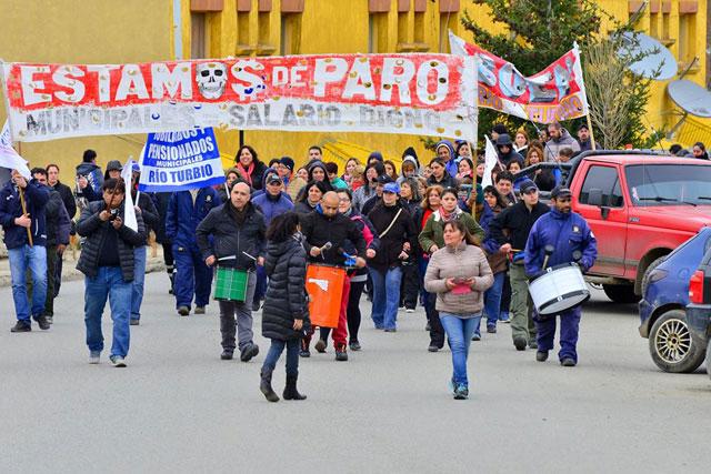 Río Turbio: municipales piden mejoras salariales