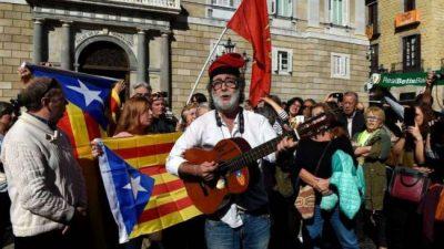 Madrid asume el poder catalán y Puigdemont huyó a Bruselas