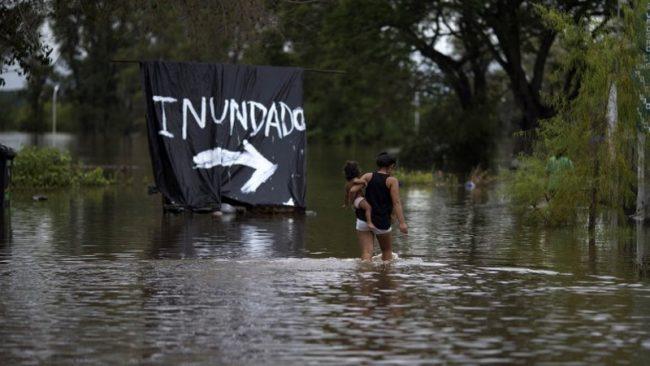 """""""Llevamos 36 meses inundados"""", afirman en Villa Parancito"""