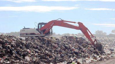 Centenario reclama un lugar para poder arrojar los residuos