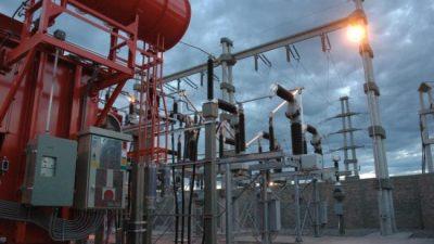 Anuncian un aumento de 38% en la tarifa de electricidad en el interior del país