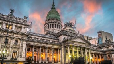 Concejos Deliberantes apuntalan a Vidal en negociación por Fondo del Conurbano
