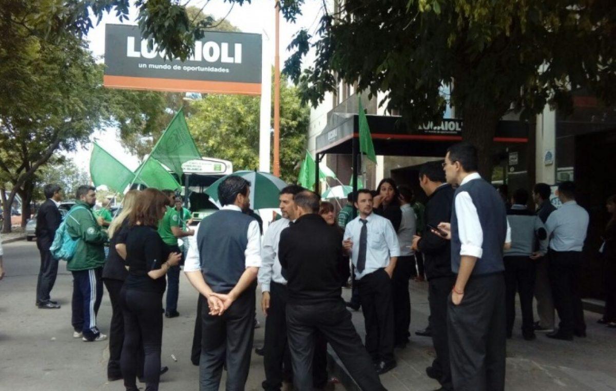 Ola de despidos en empresas de Buenos Aires : Las importaciones ahogan a las PyMES