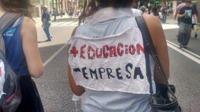 Paran los docentes en todo el país contra la reforma laboral