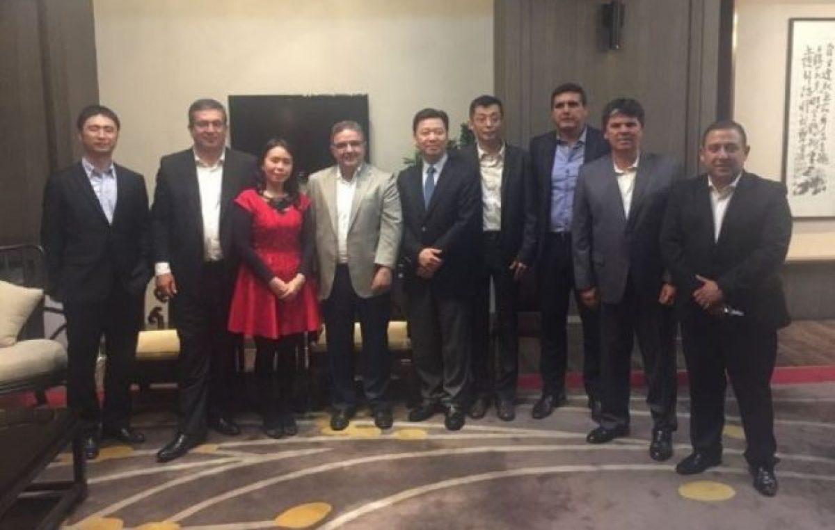 El Intendente de Catamarcabusca acuerdos con municipios de China