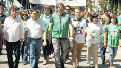 Una marcha en rechazo al paquete de reformas