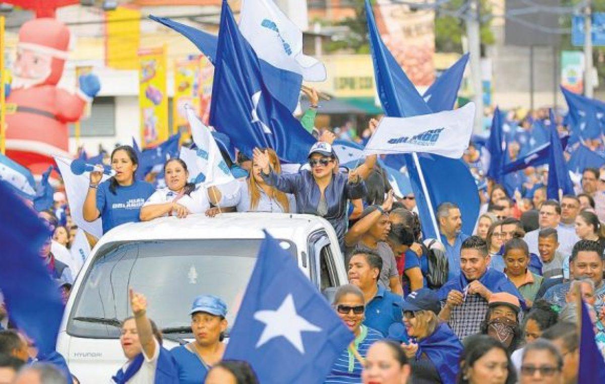 En Honduras siguen contando los votos