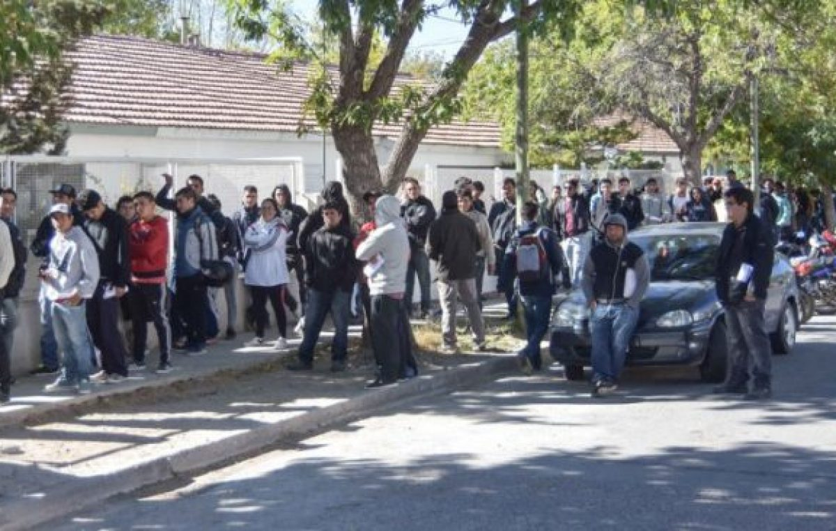 La odisea de los sin trabajo en Neuquén