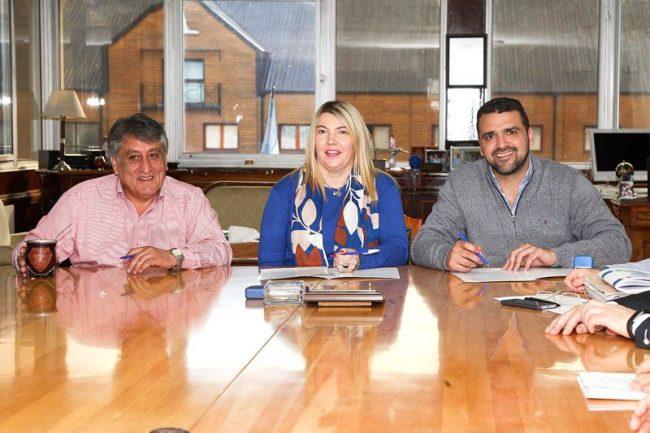 El Gobierno acordó el consenso fiscal con los municipios de Ushuaia y Tolhuin