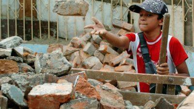Más de 700.000 chicos trabajan en la Argentina