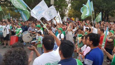 Río Tercero y Villa María piden rever los despidos en sus fábricas militares