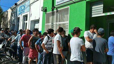 Hay más de mil desocupados de la UOCRA entre Madryn y el Valle