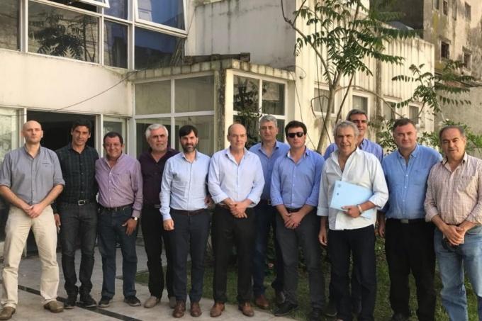 Los intendentes peronistas del interior cierran filas y quieren voz propia para discutir con Vidal