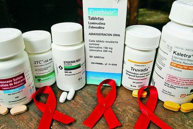 ¿Ajuste con enfermos de VIH? El gobierno suspendió la compra de medicamentos para 70 mil personas