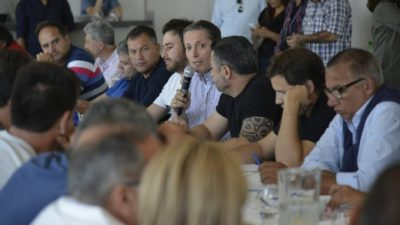 Los intendentes del interior bonaerense lo consiguieron: el PJ salió en defensa del autonomismo municipal