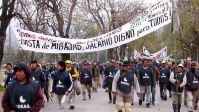 Unidad de los trabajadores: azucareros de Salta y Jujuy lucharán juntos contra los despidos