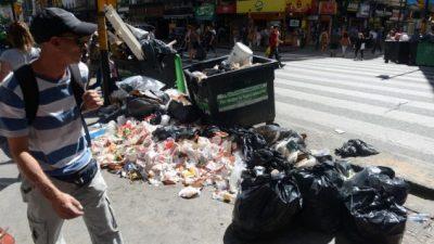 Córdoba: Toneladas de basura en la ruta de la gran licitación municipal