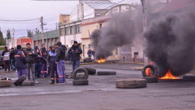 SOEM Río Gallegos continuó con la quema de cubiertas