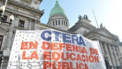 Un decreto contra la educación pública
