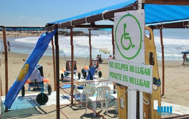 El intendente de Mar del Plata vetó una ordenanza que mejoraba el acceso a la playa de personas con discapacidad