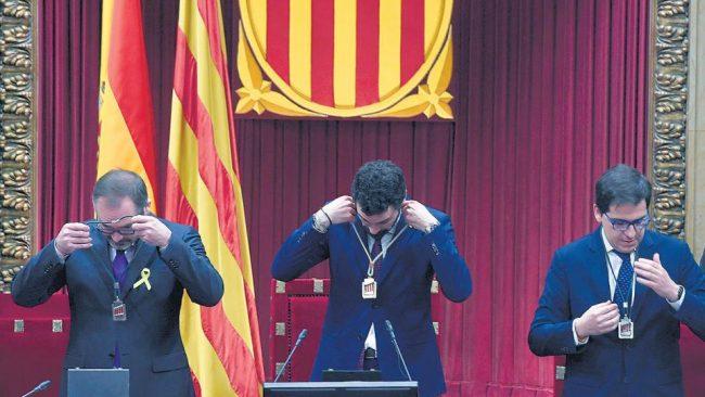 Un nuevo Parlamento catalán con ausencias