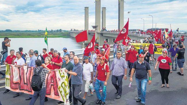 En Porto Alegre esperan al popular Lula