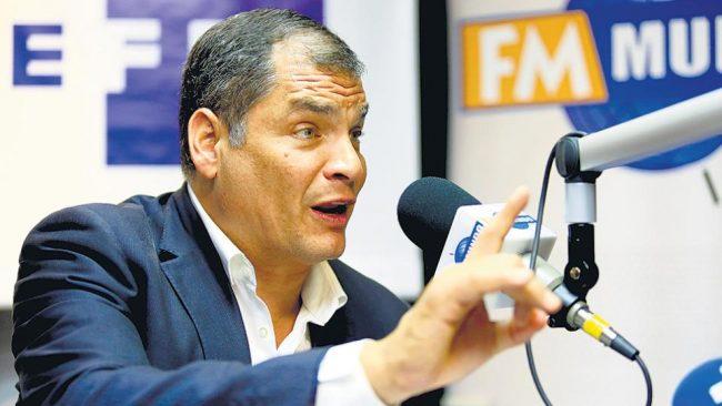 Portazo de Correa al partido Alianza País