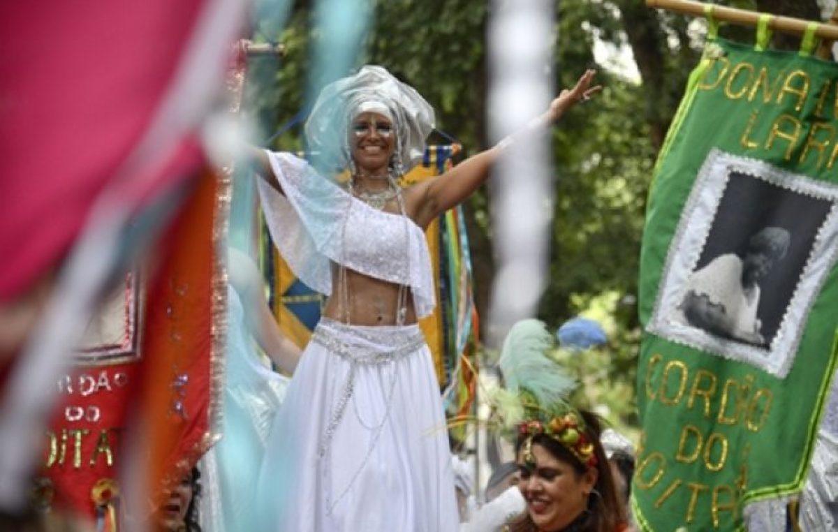 Brasil entra en clima de Carnaval, pero no olvida la injusticia ni la miseria cotidianas
