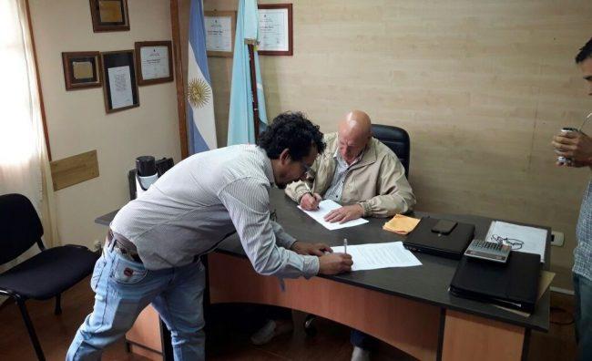 SOEME acordó un aumento salarial del 21% para los municipales de Epuyén