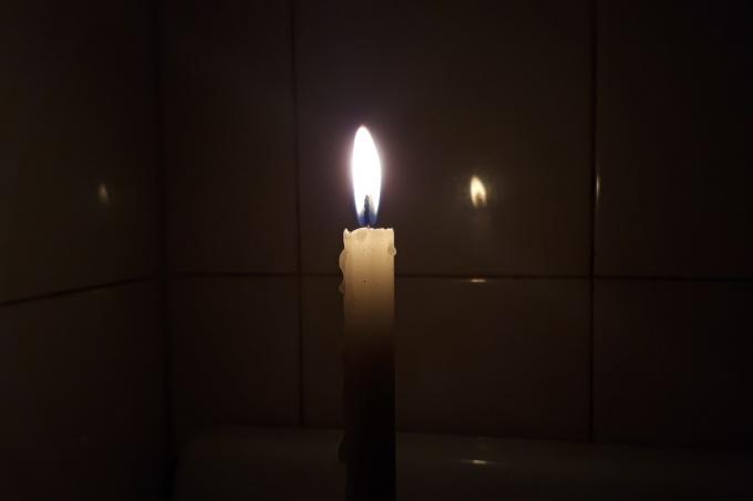 Intendentes piden a EDES que se haga cargo del conflicto por la luz tras los aumentos de tarifas