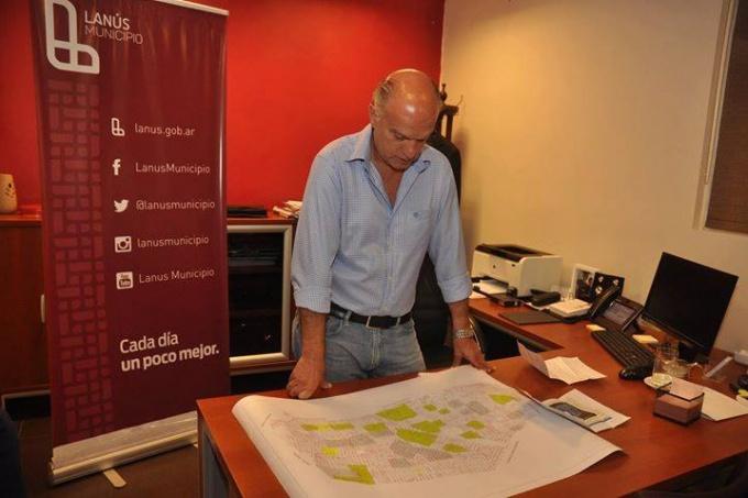 Después del escándalo, el intendente de Lanús dio marcha atrás con la venta de un edificio municipal