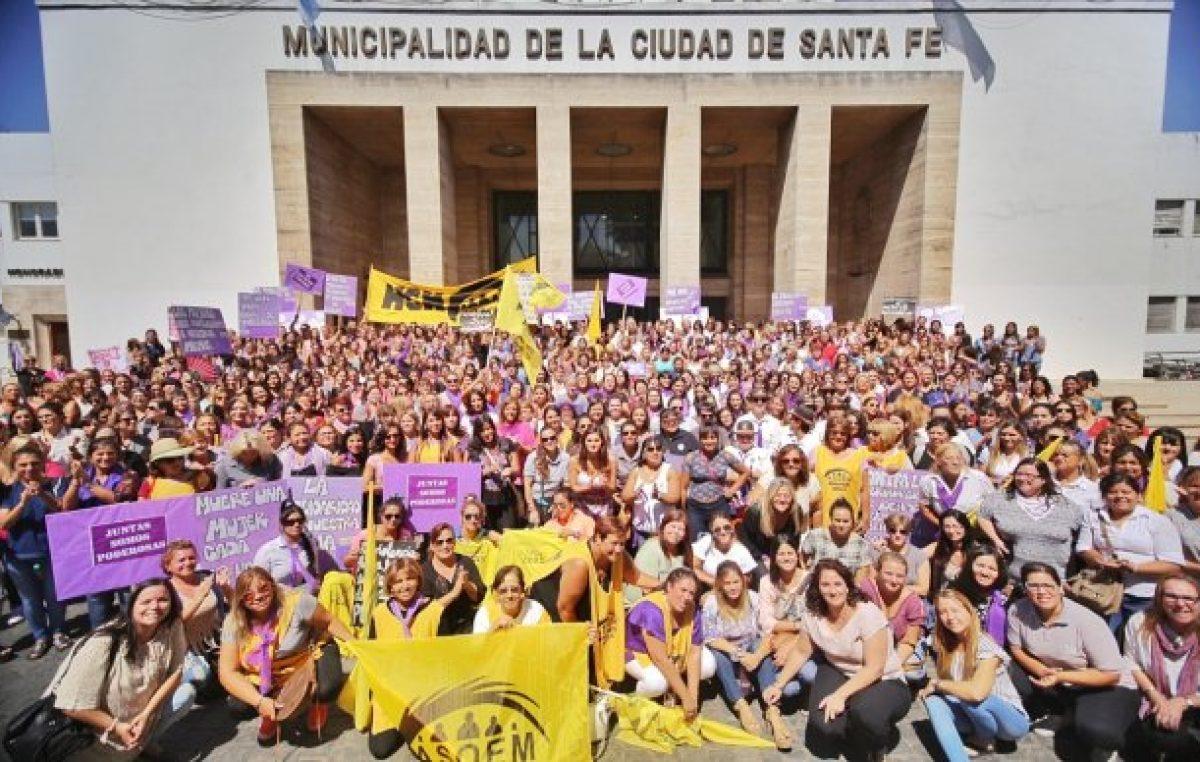 Las trabajadoras municipales de Santa Fe se sumaron al 8M