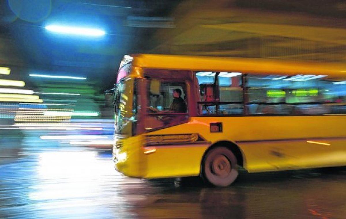 Según el municipio de Rosario, Macri hará un drástico recorte de subsidios al transporte local