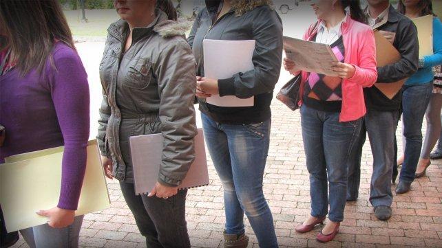 El mercado laboral de Rosario se achicó a fin de 2017 y bajó el empleo