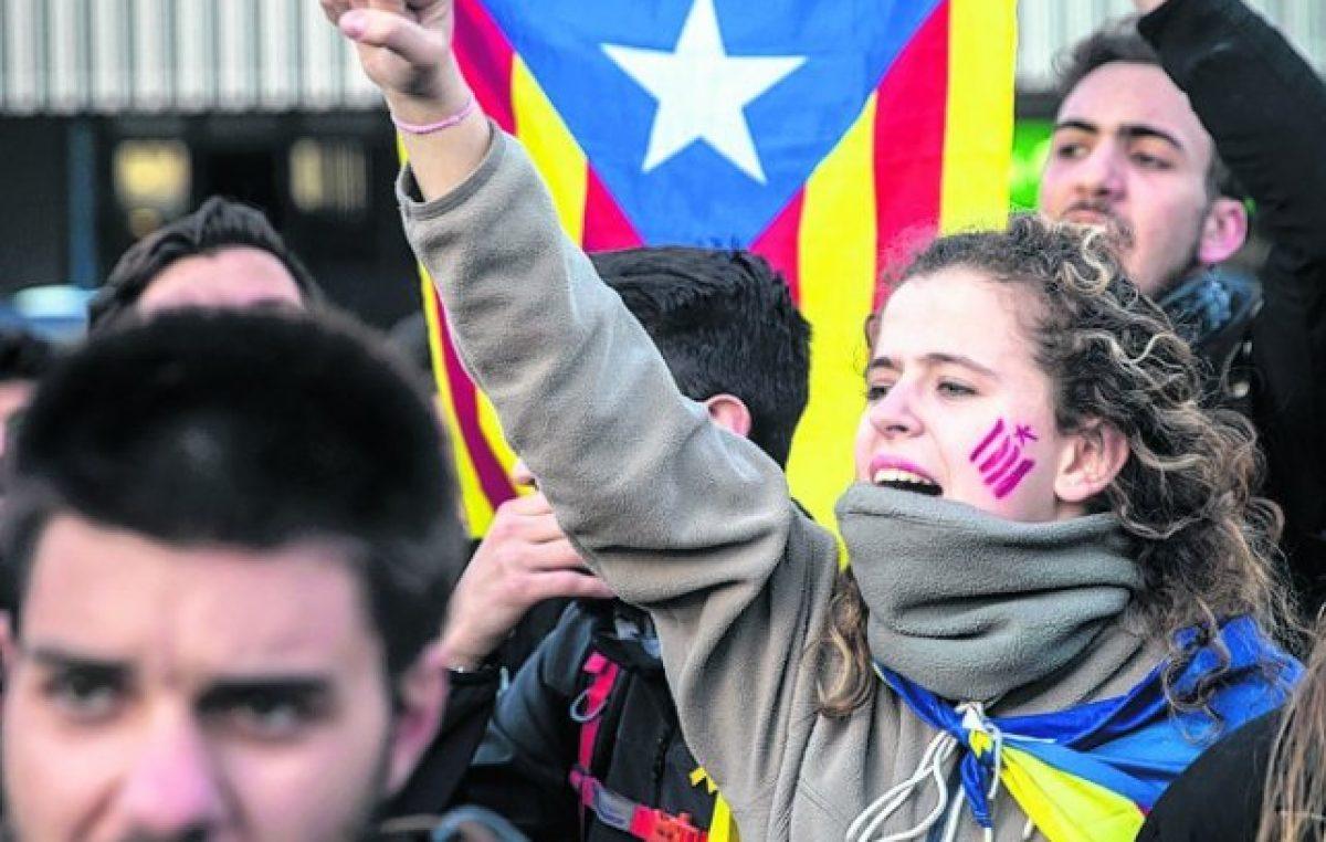 """""""Primavera catalana"""": bloqueos de rutas por el arresto de Puigdemont"""