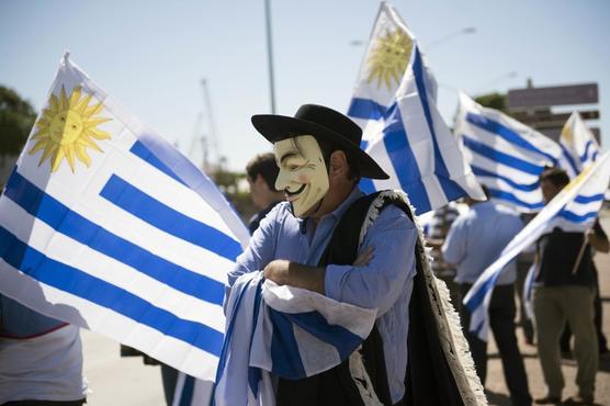 Productores agrarios protestan por altos costos en Uruguay